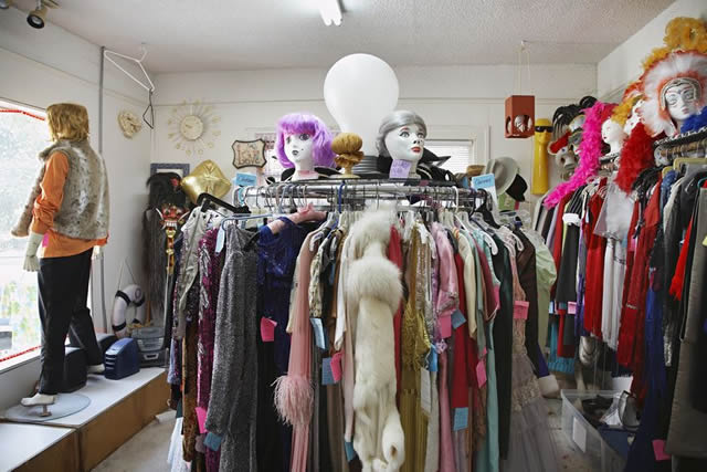 Secondhand clothing fashion